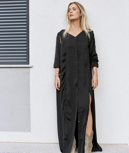 Flowy open-leg maxi dress with cropped sleeves